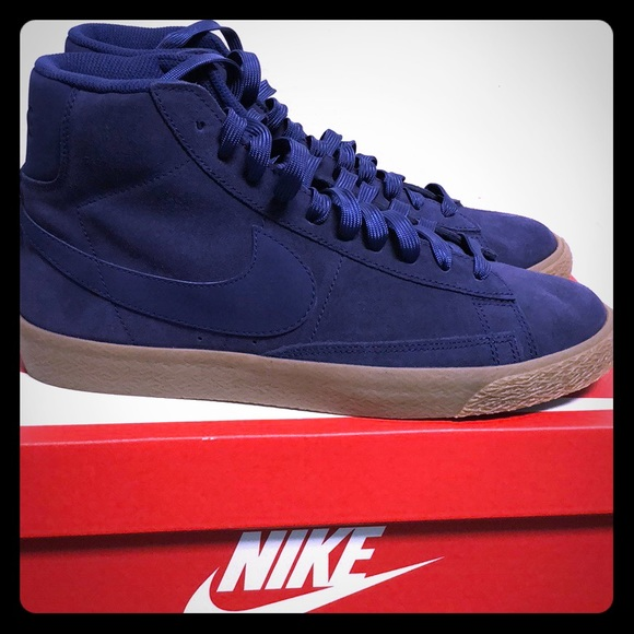 sneakers for cheap 66f39 2e29b Nike Blazer Mid Blue Suede 8.5 Women's NWT